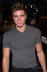 Post a hot picture of Matthew Lawrence.
