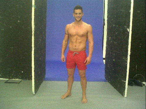 Post a picture of an actor standing shirtless.