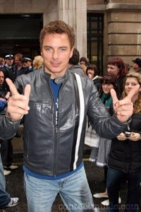 Post a picture of your favourite actor with a nice jacket.