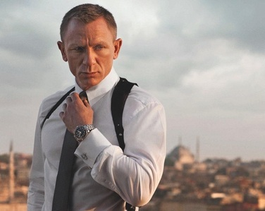 Post a hot picture of Daniel Craig in Skyfall.
