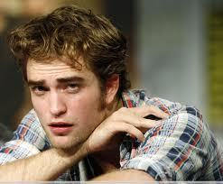 Post a pic of your actor looking confused about something.Mine is of my sweet,sexy Robert<3