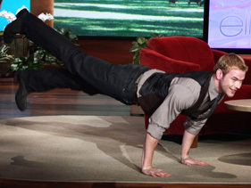 Post a pic of an actor doing push-ups.Mine is of Robert's co-star Kellan Lutz doing push-ups.