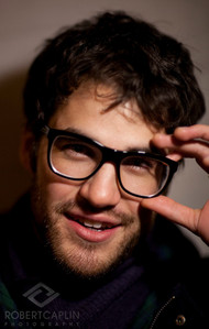Does Darren Criss wear glasses for real