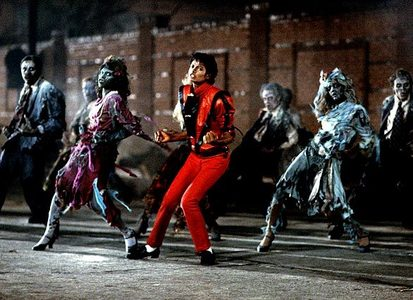 Tell me what is your お気に入り Michael Jackson dance video? Mine is Thriller and Remember the time.