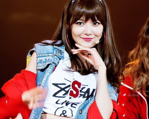 Post the most beautiful pic of SOOYOUNG