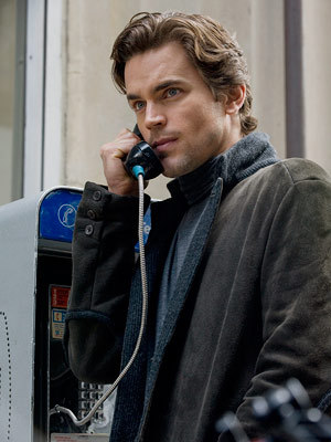 Post a picture of an actor who is on the phone? Mobile/Cell, payphone, অথবা a house phone.
