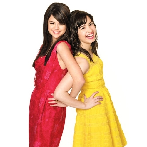 Post a pic of Selena and Demi together ♥ ? (PROPS)