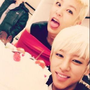 Post a picturee of Daelo (Daehyun&Zelo oppa♥)