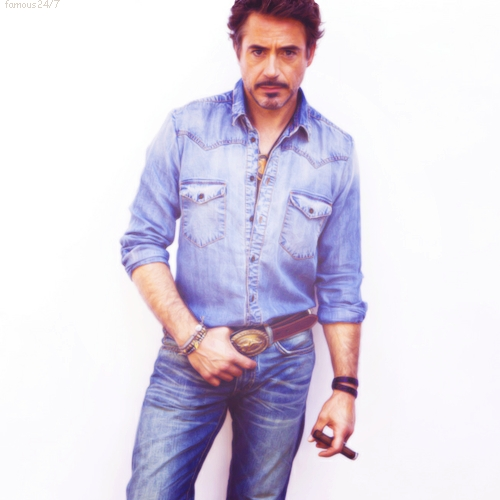 Post a picture of an actor wearing denim.