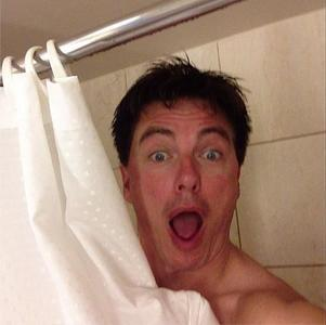 Post a picture of an actor in a shower/bath.