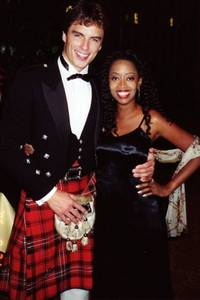 Post a picture of an actor wearing a kilt.
