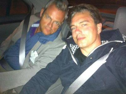 Post a picture of an actor with a seatbelt.