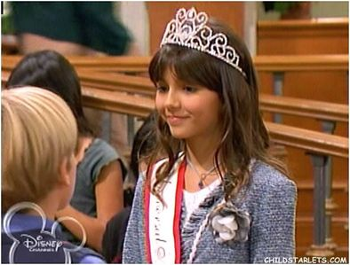 "POST VICTORIA JUSTICE foto FROM ""SUITE LIFE OF ZACK & CODY""."