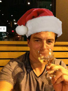 Post a picture of an actor with something to do with x-mas.