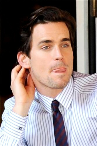 Post a picture of an actor sticking his tongue out?