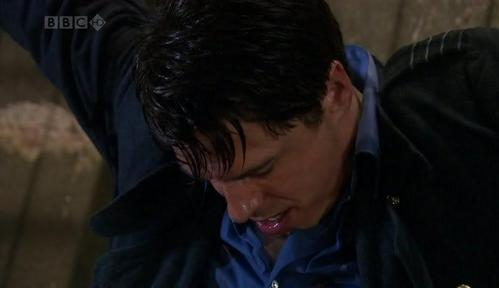 Post a picture of an actor where his hair is wet.