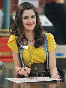 Who is a bigger insult to the female gender? Bella cigno (Twilight Saga) o Ally Dawson (Disney Channel's Austin & Ally)
