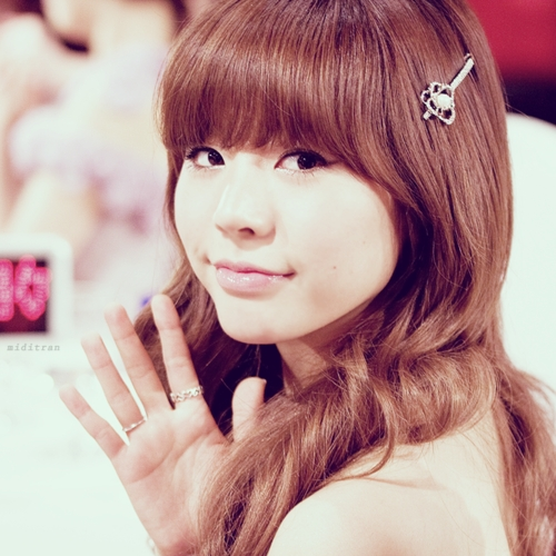 Post a picture of Sunny. Winner get 7 props