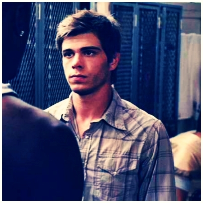 Post a pic of *Matthew Lawrence*! :)