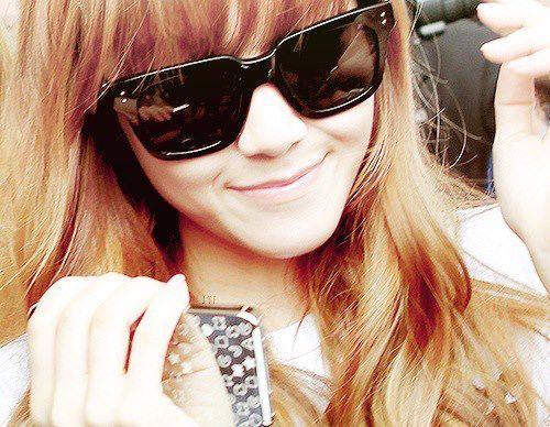 Post your 가장 좋아하는 member wearing sunglasses (Props)