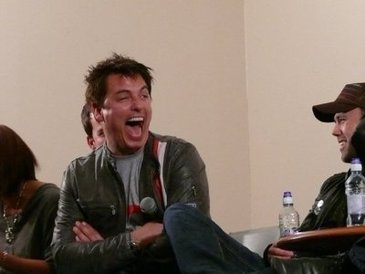Post a picture of an actor who laughs alot.