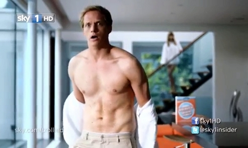 Post a picture of an actor with a nice body.