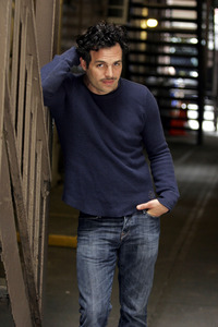 Post a pic of your actor with one hand in his pocket.
