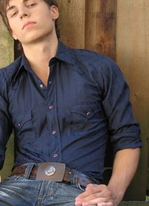 Post a picture of an actor with a belt.