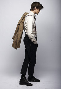 Post a picture of an actor from the side.