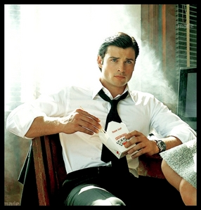 Post a picture of Tom Welling