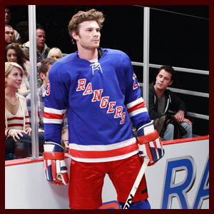 Post a picture of an actor wearing a sports jersey