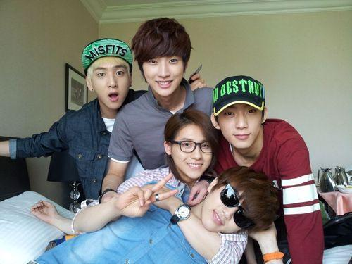 What are your parte superior, arriba 5 favourite B1A4 songs?