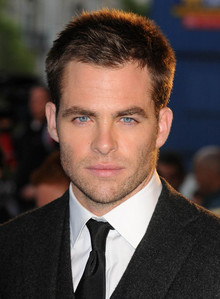 Post a picture of Chris Pine.