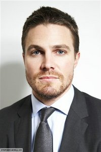 Post a hot picture of Stephen Amell.