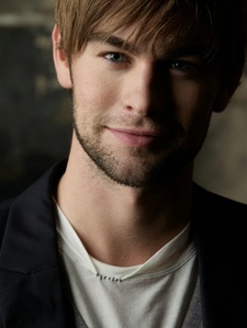 post a picture of an actor who has brown hair hottest