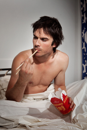 Post a picture of an actor eating.