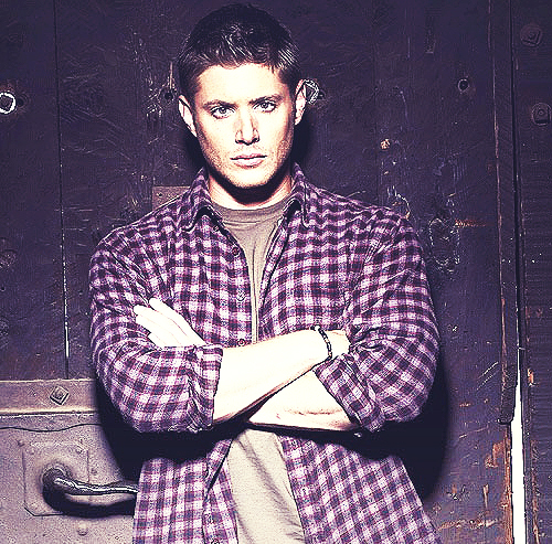 Post a picture with your actor wearing plaid