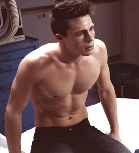 post a picture of an actor shirtless hottest actors