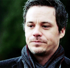 Post a pic of your actor wearing a scarf.