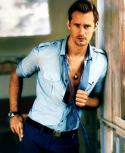 Post a pic of your actor wearing blue.