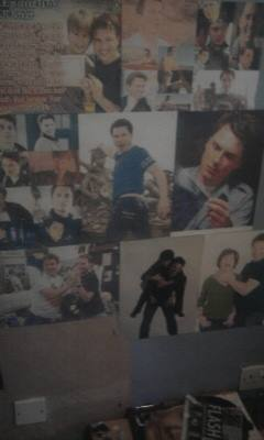 Post a picture of your room pader if you have any posters/pictures up of your favourite actor.