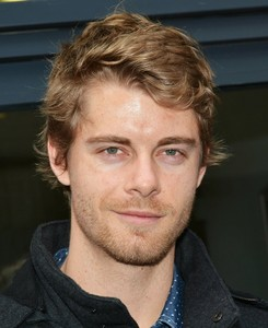 Post a picture of an actor with stubble.