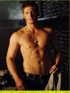 Post a pic of your actor without a shirt.