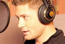 Post a pic of your actor with headphones.