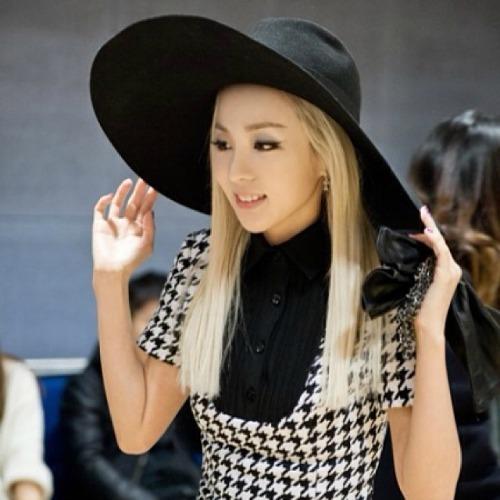 ♥ Post cool pic of Dara ♥