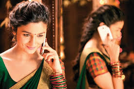 Загрузить a pic of alia from the movie '2 STATES'