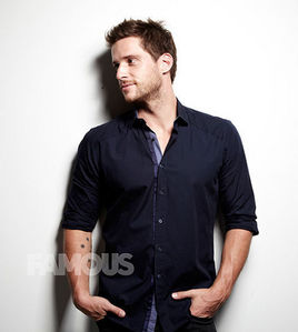 Post a pic of an actor who is hot.