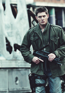Post a pic of your actor with a weapon.