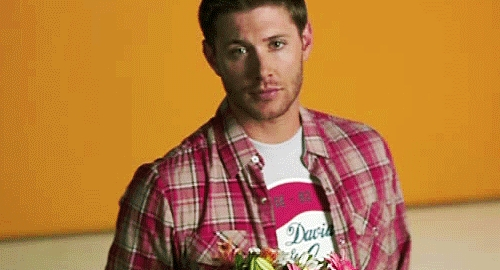 Post a pic of your actor with flowers.