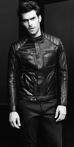 Post a pic of an actor wearing a jacket.